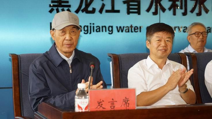 调整大小 8、原水利二处副处长王占清代表退休职工发言.JPG
